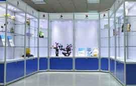 展示柜货架如何挑选 精品展示柜上玻璃用的是什么胶